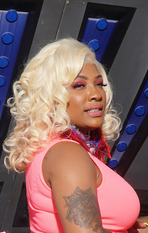 Platinum Blond full Lace Wig 18in