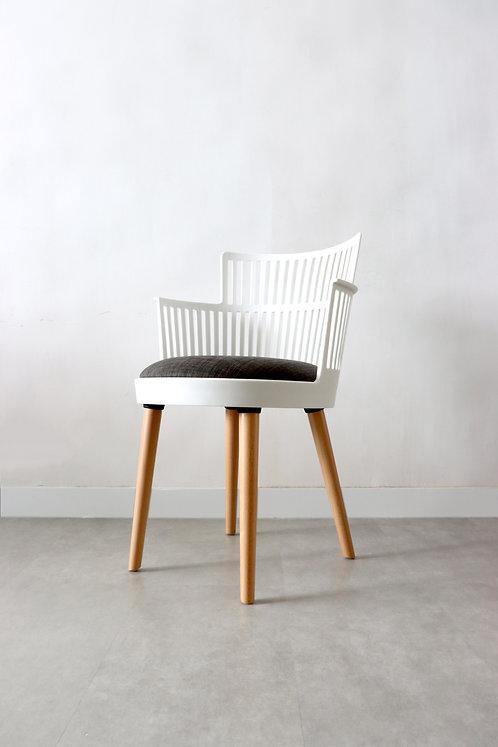 Queens' Chair