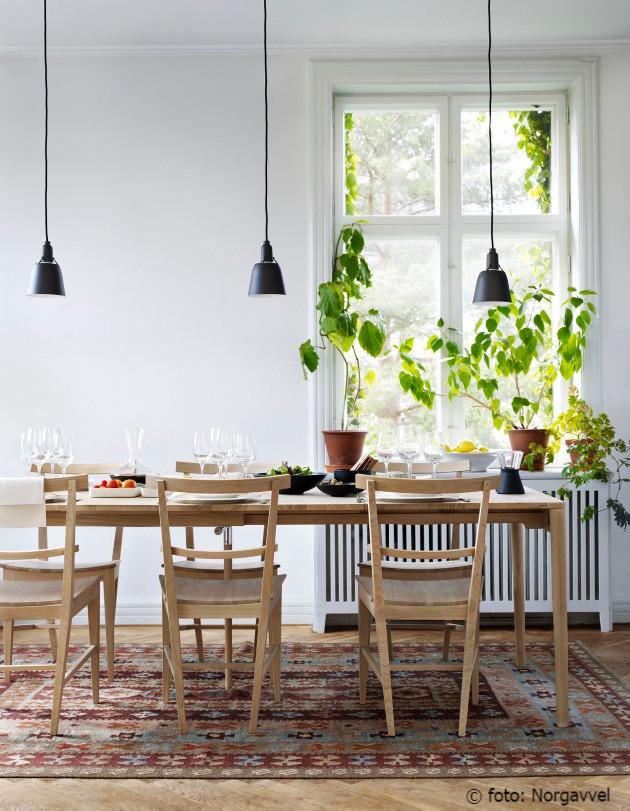 Lys og harmonisk spiseplass, lamper, dagslys
