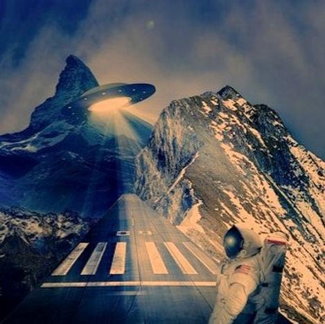 ufo-2144920__340_edited_edited.jpg