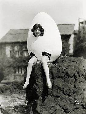 black-and-white-egg-monochrome-weird-Fav