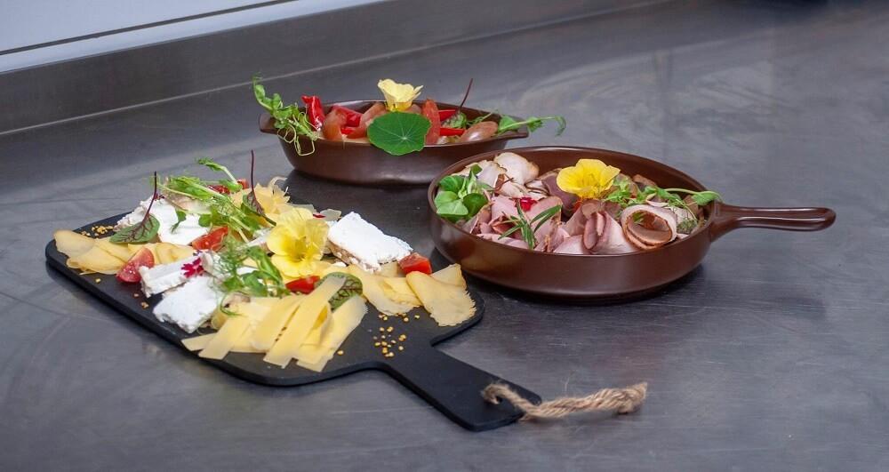 Deski serów i szynek