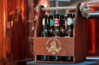Sześciopak piw kraftowych w drewnianej skrzynce - w sam raz dla prawdziwego smakosza piwa