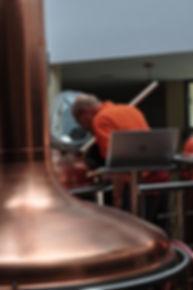 Warzenie piwa w kadzi