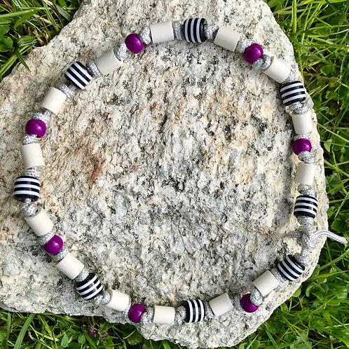 EM Halskette mit Acrylperlen Violett für Hunde