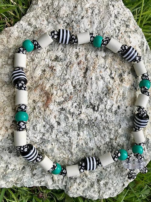 EM Halskette mit Acrylperlen Grün für Hunde