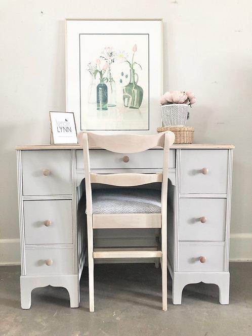 Sweet Petite Vanity Desk & Chair