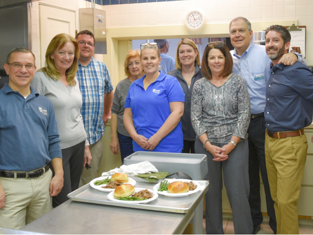 Crest Savings Bank Employees Volunteer for Local Hot Lunch Program