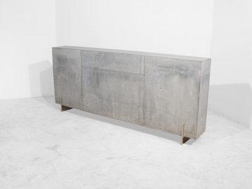 #413. CONSOLE, concrete, mirrored steel