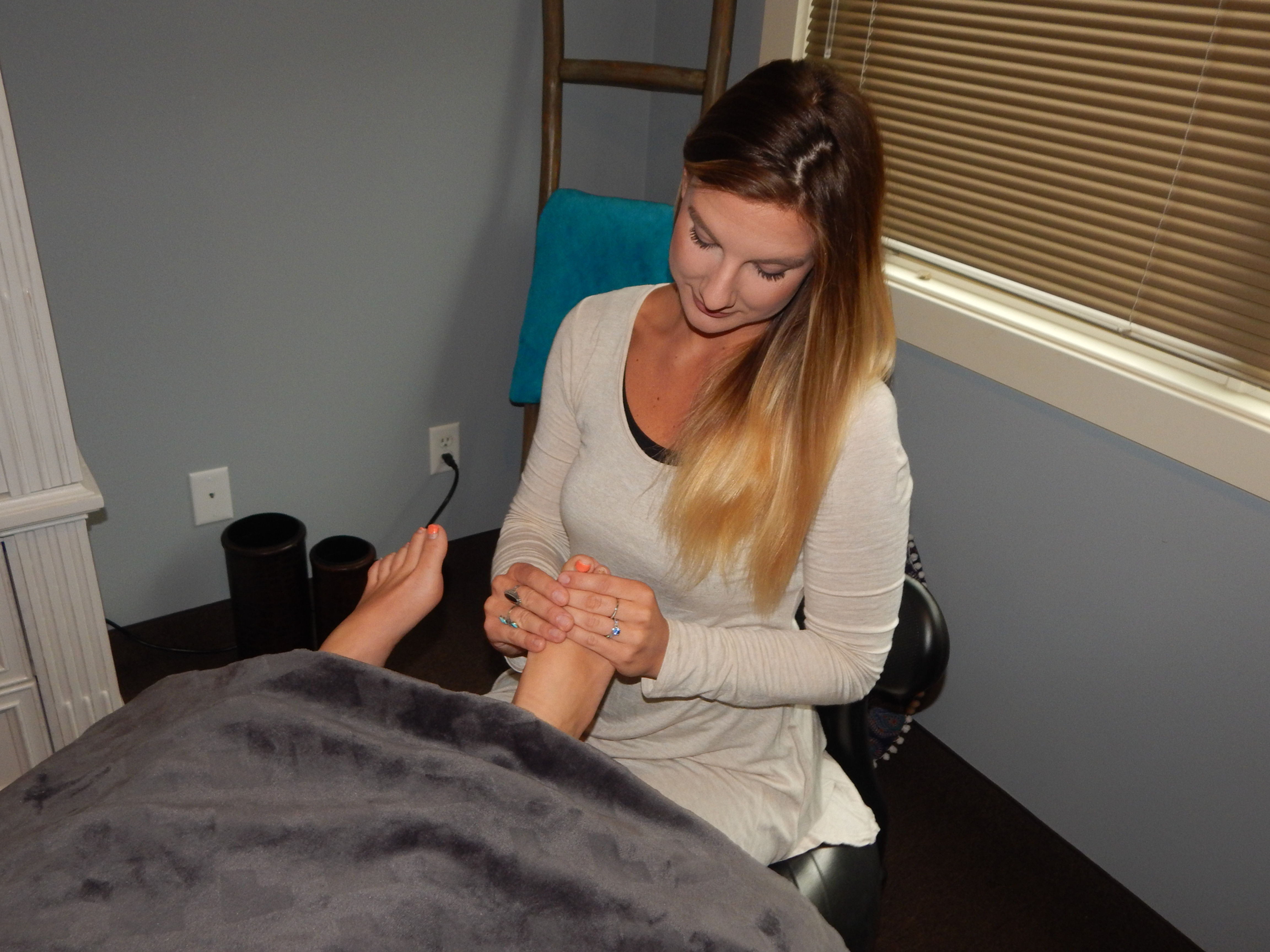 Foot Reflexology-60 Minutes