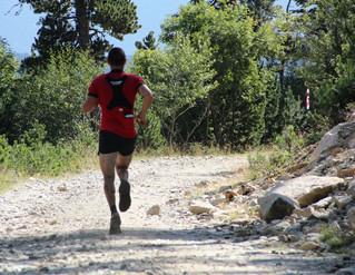 És importat entrenar en terrenys plans per fer curses de muntanya?