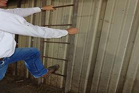 SMS028 - Three Point Rule: Preventing Slips and Falls - La Regla de Tres Puntos