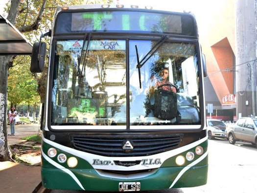 Asoc. de Usuarios y Cons. rechazan incremento del boleto de colectivo en Paso de los Libres