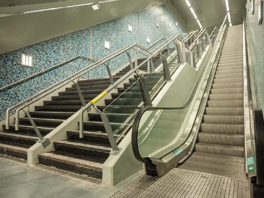 Los usuarios viajarán gratis si alguna de las escaleras mecánicas o ascensores de las estaciones de