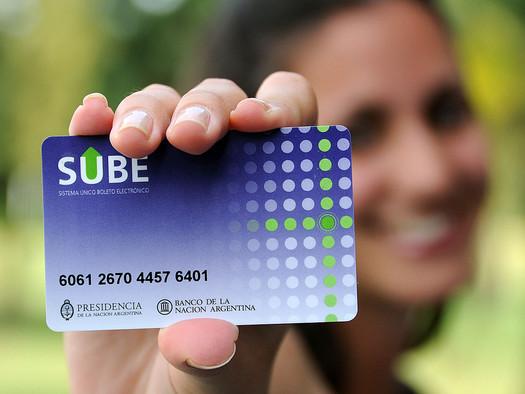 El Gobierno elevó a 20 pesos el saldo negativo de la SUBE