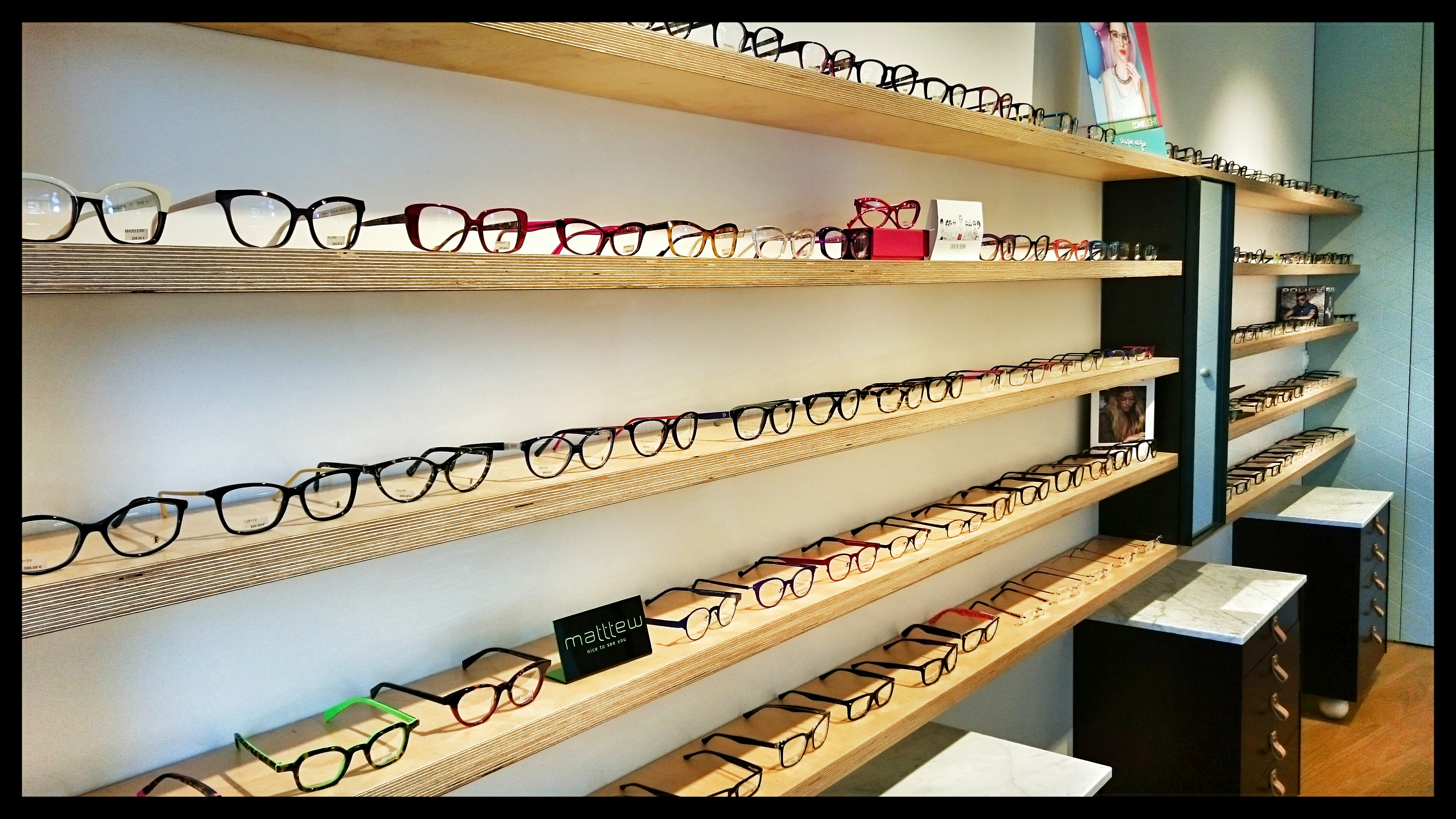 NOVA VISION OPTICIENS