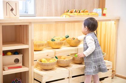 取った野菜はまな板で切って遊ぼう