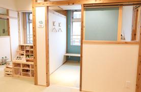 個室は部屋ごとに色が違うんです