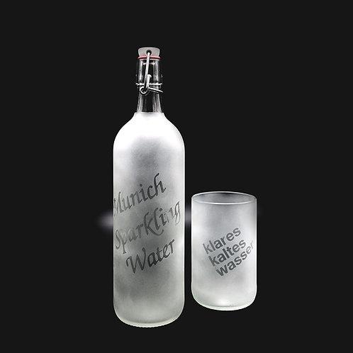Bügelflasche und Glas