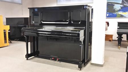 Steinway & Sons K-Klavier