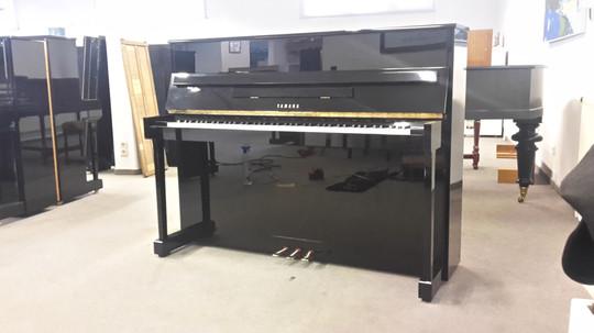 Yamaha LU-201C