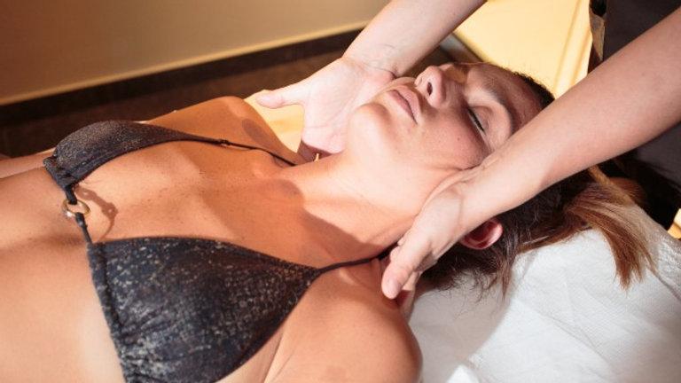 Massaggio schiena, collo e cervicale