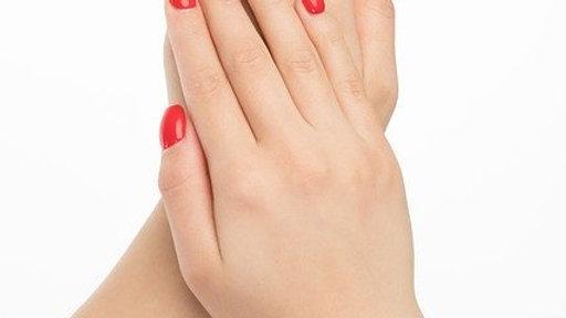 Manicure & applicazione smalto