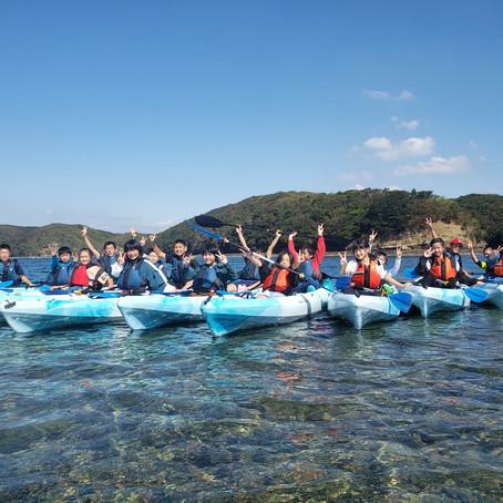 厳原小学校と比田勝小学校に、シーカヤックと、環境教育プログラムを体験していただきました。