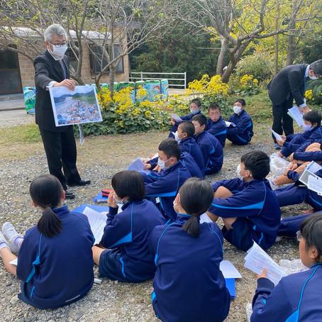対馬市立鶏知中学校第一学年が来社されました。