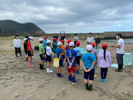厳原北小学校4年生と海岸調査を行いました。