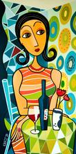 Frau mit Ring am runden Tisch
