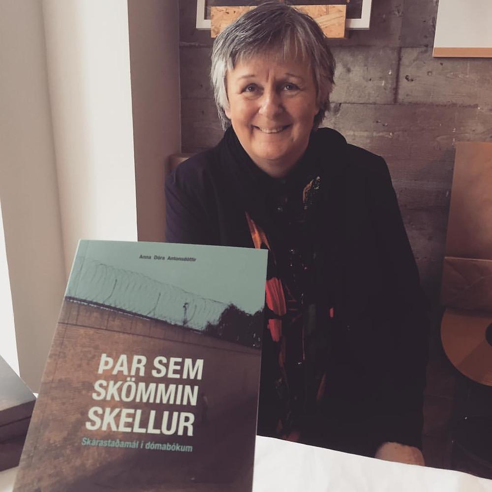 Anna Dóra Antonsdóttir, sagnfræðingur og rithöfundur,