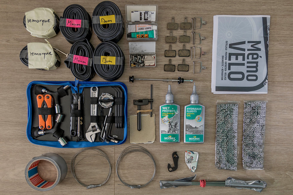 Matériel mécanique pour un voyage à vélo