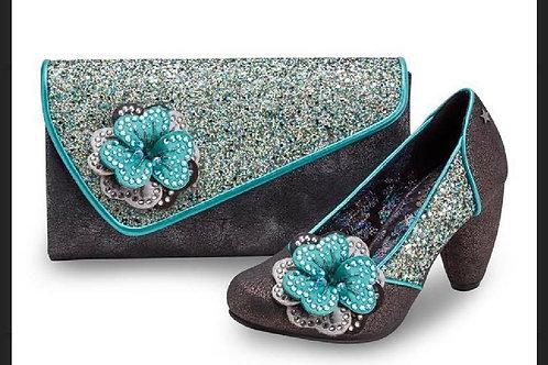 Vikki Shoe