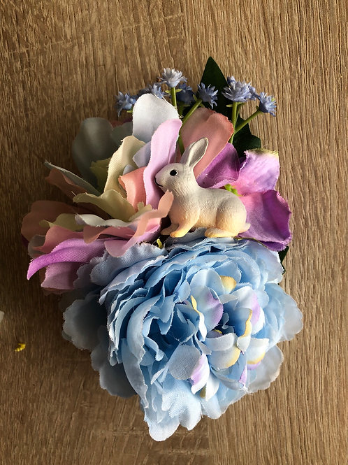 Ornate Hair Flowers and Broches