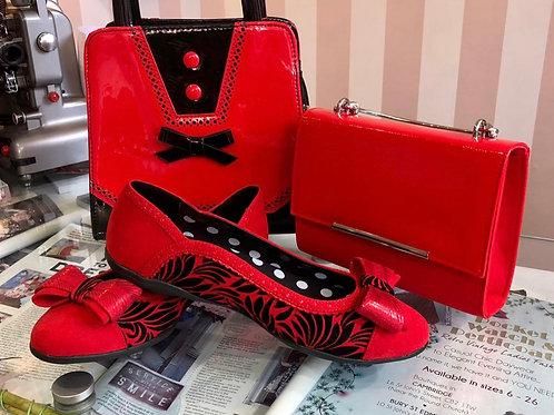 Amber Flat Shoe