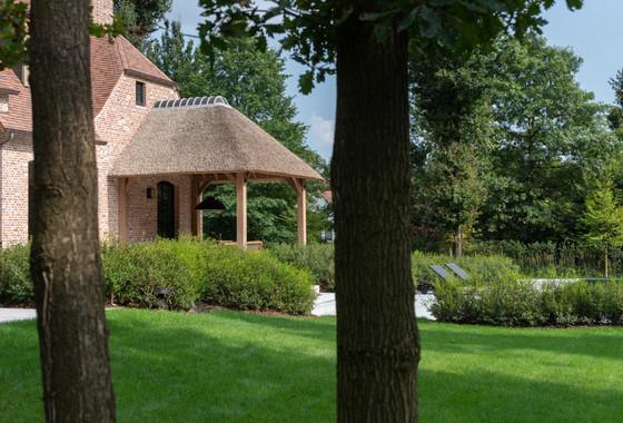 Villa W, Waasmuntser