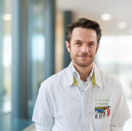 Dr. Wouter van Riel