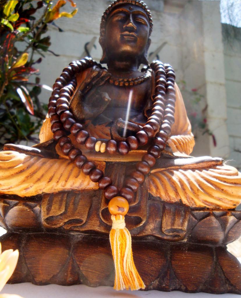 a_mala_collares_espirituales_borlas_mantra_meditacion-828x1024