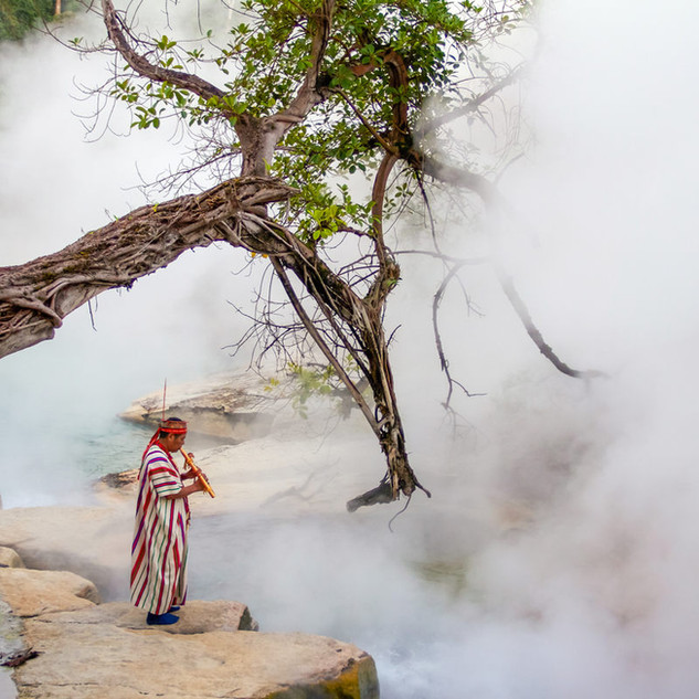 The Boiling River - Rio Hirviente