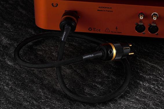 2019-11-27-Cable secteur sur ampli.jpg