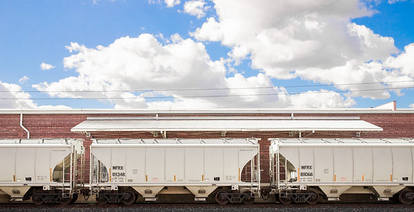 Hopper Cars near warehouse district.jpg
