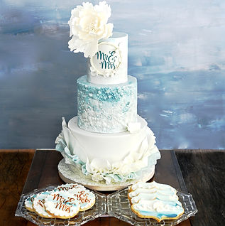 Mr&Mrs Cake with Cookies with Gray backg