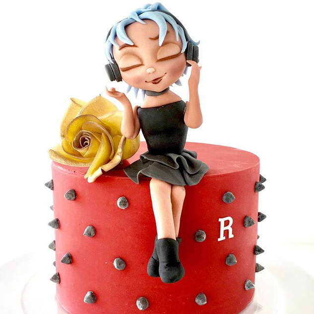 Custom cakes for special occasions
