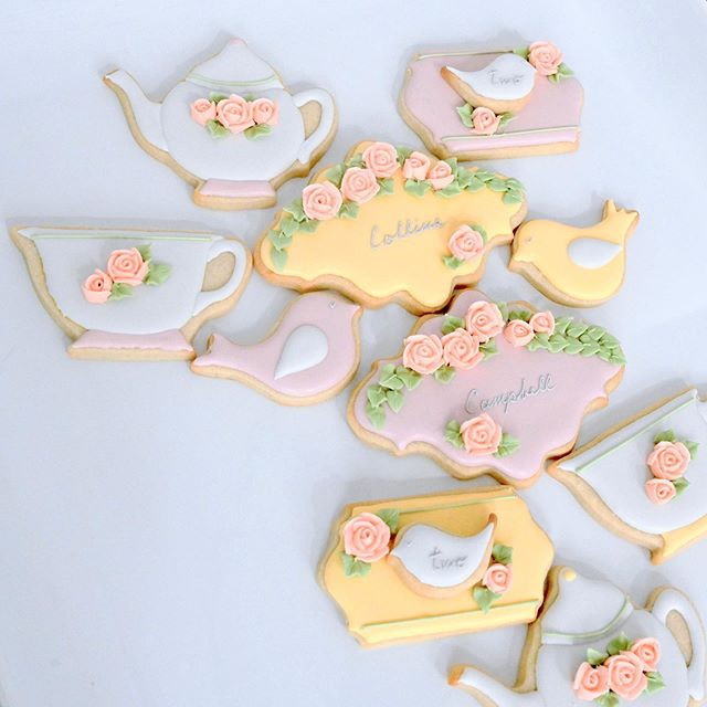 These beautiful tea party theme cookies