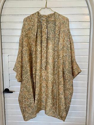Kimono kort m. lidt brodering og perler - Relove&Roses #31