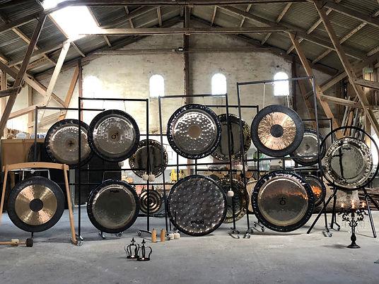 Gongs i laden.jpg