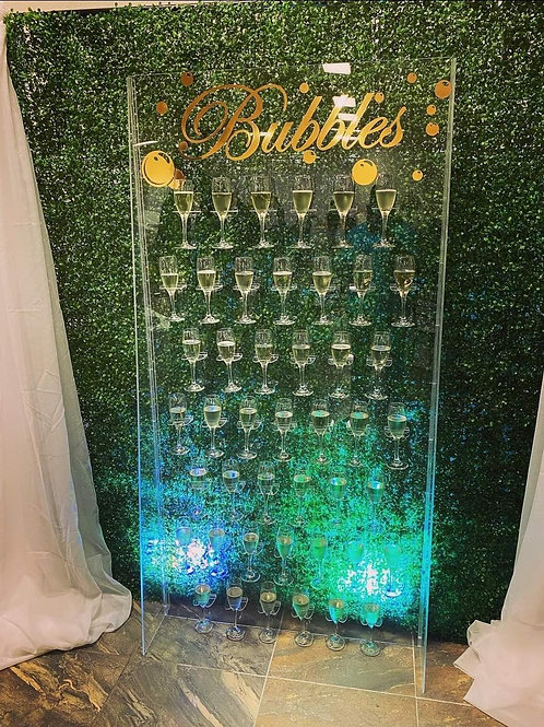 Champagne wall with green wall