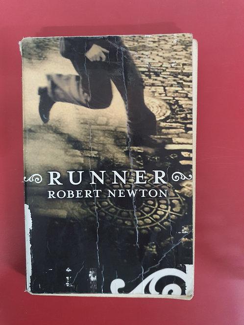 Runner (SECOND HAND)
