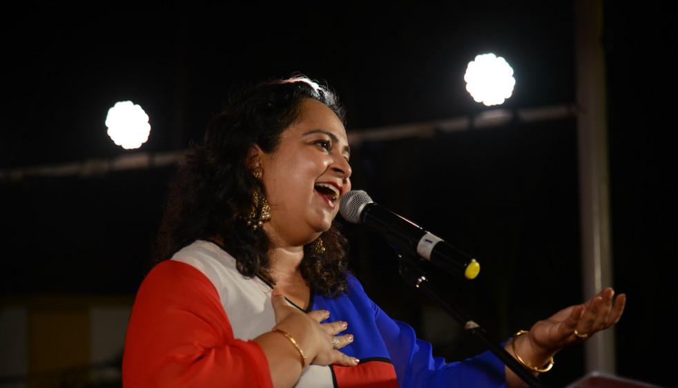 Sonia Shirsat performing